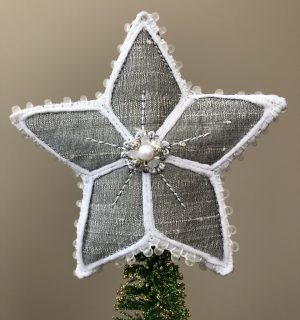 Wenda's Star but showing reverse in silver - Ornament Exchange